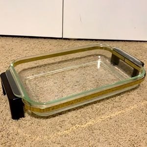 Pyrex Dish and Cradle